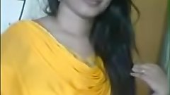 indian sexy bhabhi in yello shalwar suit exposing sexy figure